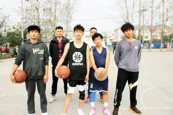 【校园动态】我们的篮球社――挑战地心引力,引bao篮球魅力